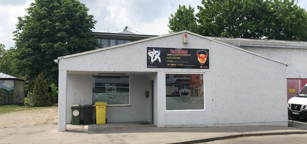 Vereinsgebäude von außen